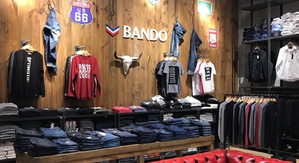 Bando suma presencia en otros centros comerciales
