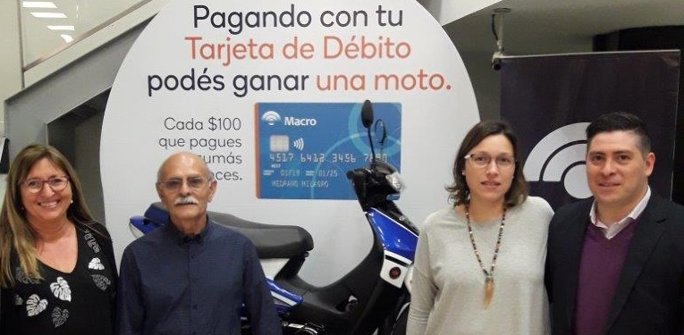 Banco Macro entregó premios por consumos con débito