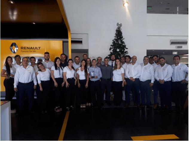 """Tagle obtuvo el """"Rombo de Oro"""" en la Convención Anual  de Renault"""